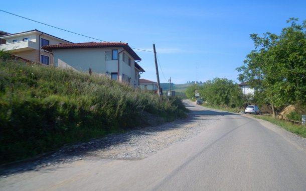 Lucrări de întreținere pe un drum județean de lângă Cluj-Napoca