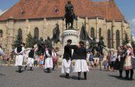 Zece zile de muzică și dans. Începe Festivalul Folcloric Internaţional al Minorităţilor Sfântul Ştefan