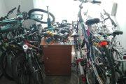 Hoți de biciclete, prinși de oamenii legii