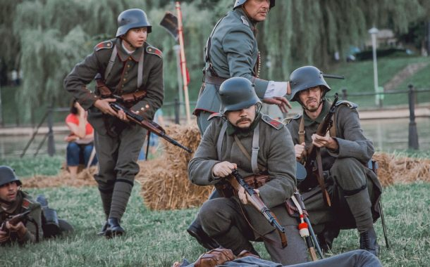 Parcul central din Cluj-Napoca, invadat de soldați