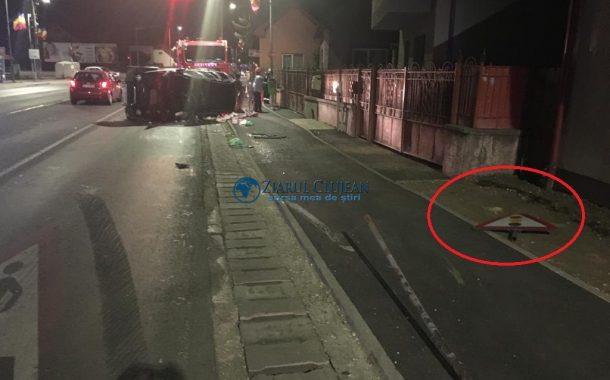 FOTO - Mașină răsturnată în Florești, doi răniți
