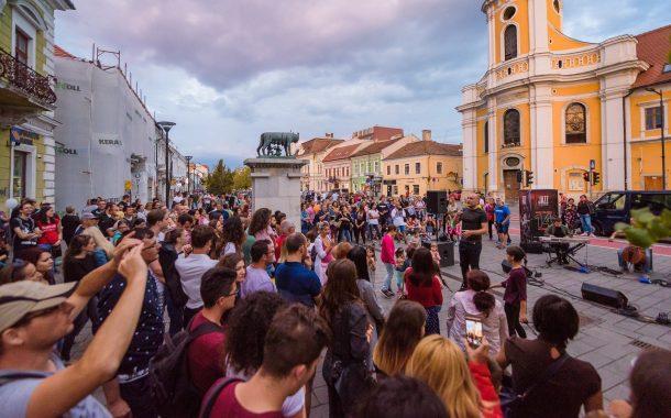 Peste 80 de reprezentații de muzică, dans, magie, acrobații, teatru la Jazz in the Street, duminică, la Cluj