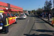 VIDEO - A spulberat o viaţă! Un tânăr teribilist, fără permis, a omorât un pieton chiar pe trotuar. O altă persoană e grav rănită