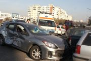 VIDEO - Trei răniți și șapte autoturisme avariate în urma unui accident care a avut loc pe Calea Florești