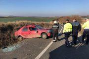 FOTO - Tragedie lângă Ploscoș. Un mort și trei răniți în urma unui accident rutier, elicopterul SMURD a intervenit