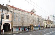 FOTO - Au fost finalizate lucrările la fațada Palatului Reduta, imobilul monument istoric în care a avut loc Procesul Memorandiștilor
