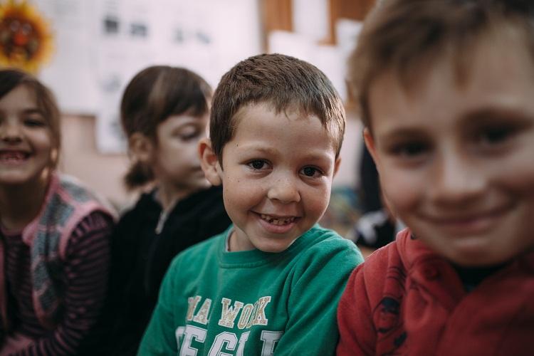 Învățarea relevantă: Cum învăță diferit 43.700 elevi din România
