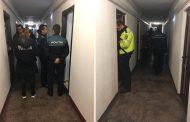 FOTO - Deschideți, POLIȚIA! Aproximativ 1500 de studenți legitimați la primele ore, unul are dosar penal
